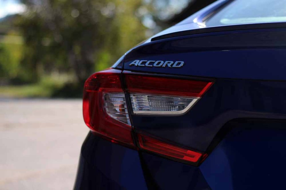 Honda-tech.com 2018 Honda Accord 1.5T 2.0T Review Test Drive Info Facts Buyers Guide Comparison