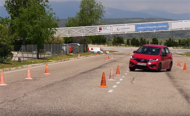 Honda fit and Jazz moose test.