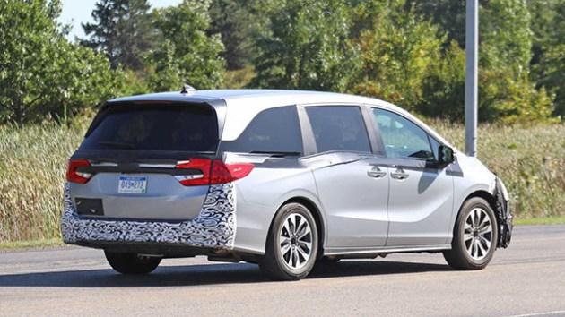 2021-Honda-Odyssey-Spy-Shots-and-Exterior-Design