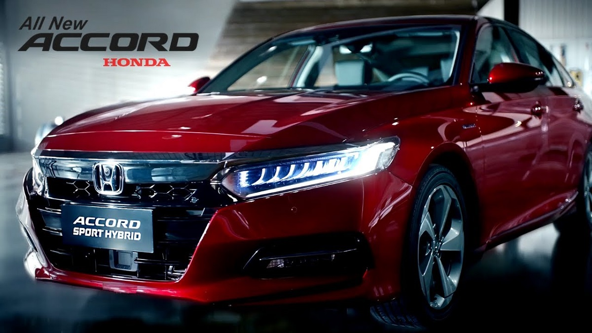 2021 Honda Accord Hybrid front