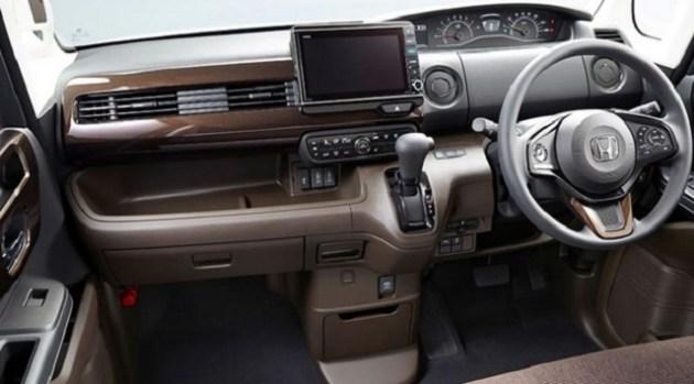 2021 Honda N-Box cabin