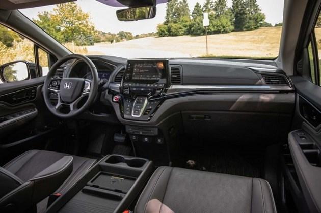 2022 Honda Odyssey Hybrid interior