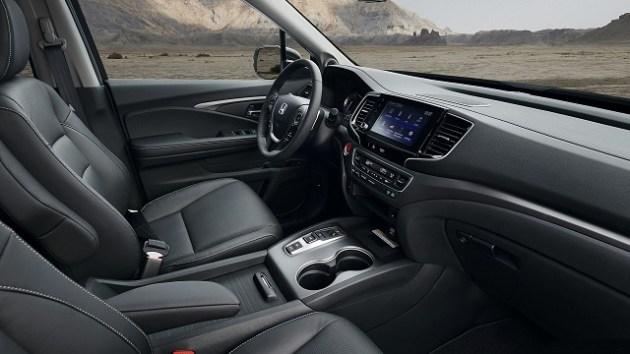 2023 Honda Ridgeline Hybrid interior