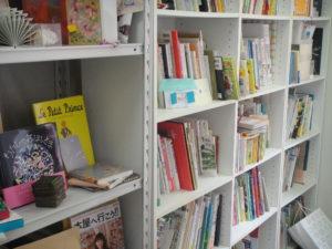 絵本の本棚
