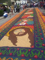 Some of the alfombras also use seeds, grains, rice and coffee beans to create their amazing artwork.