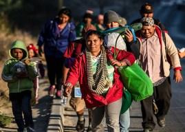 Alcalde de Tijuana pide expulsar de México a los migrantes en caravana