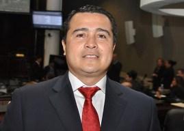 Solo aceptó una yegua: Hermano del presidente de Honduras admite amistad con narcos