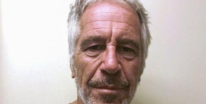 Encuentran muerto en su celda a Jeffrey Epstein, el multimillonario estadounidense acusado de tráfico sexual