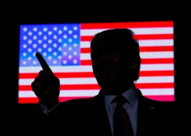 """Trump ordena aumentar """"considerablemente"""" las sanciones contra Irán"""