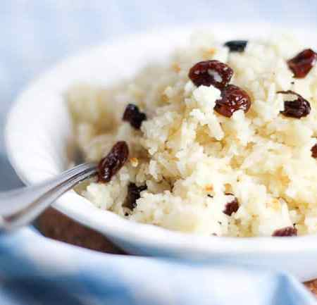 Rice Cooked in Milk with Raisins (Suti Polo)