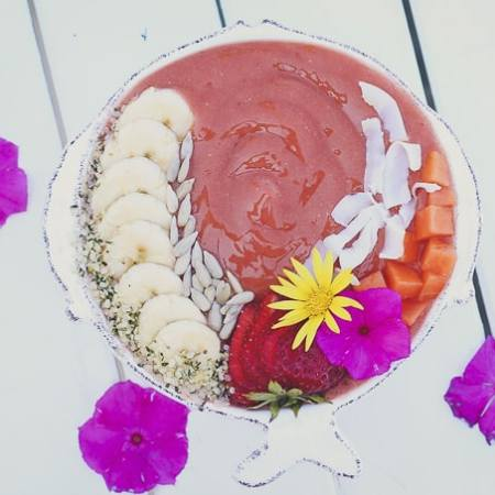 Strawberry Papaya Smoothie Bowl