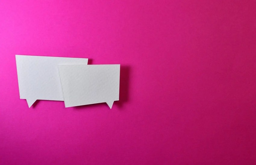 Speech bubbles on a pink background