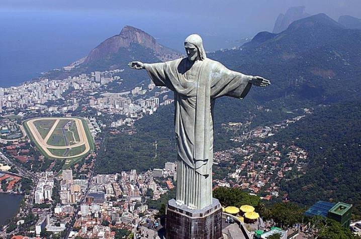 Statue-of-Christ-the-Redeemer