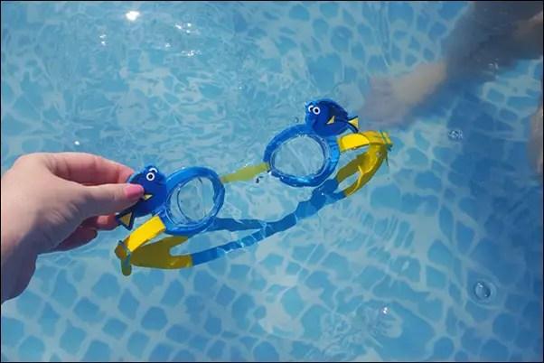 GEWINNSPIEL Disney Schwimmbrillen mit Schwimm-Spaß-Tour