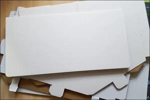 Kaufladen aus Pappe aufhübschen mit Washi Tape, Kreidefarbe und Tafelfolie