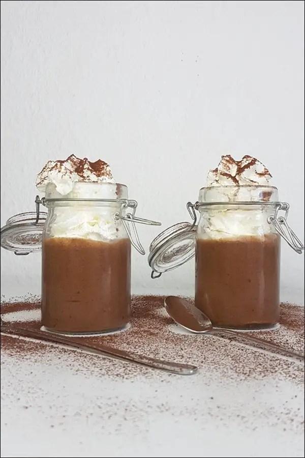 Herbe Mousse au Chocolat ohne Zucker mit Trockenpflaumen
