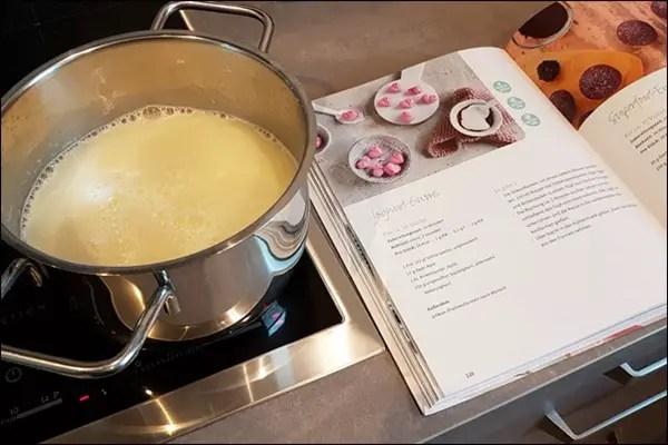 Lowcarb Joghurt-Gums - Sophia Thiel Fitness Sweets Kochbuch