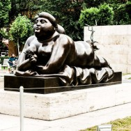 Nude woman sculpture in Cascade, Yerevan