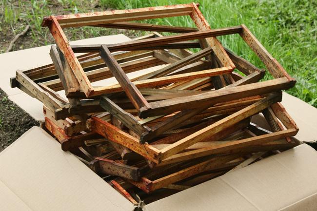 Superb Who Reuses Old Frames Honey Bee Suite Wiring Digital Resources Instshebarightsorg