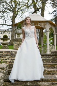Catherine Parry Cara bridal gown