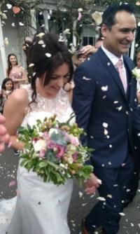 Honeyblossom bride Sarah wedding confetti