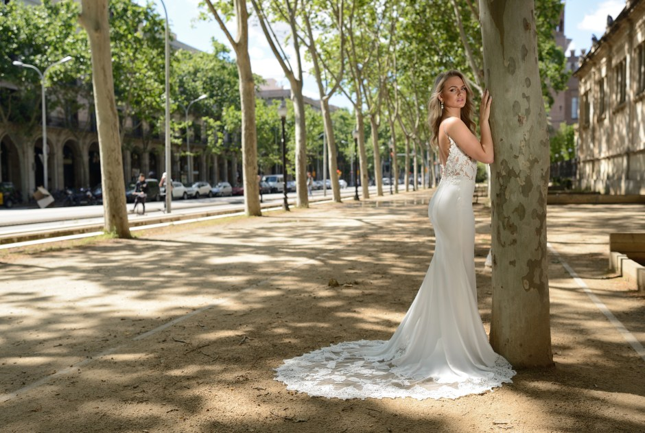 Catherine-Parry-Seraphina-wedding-gown