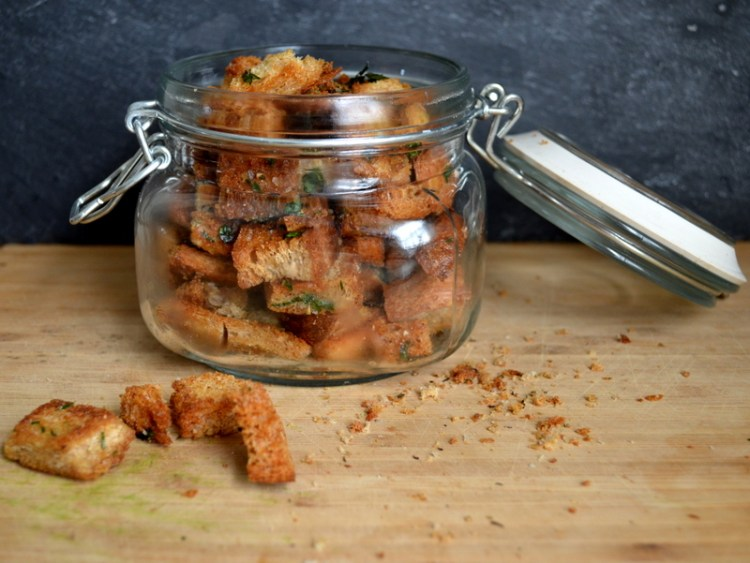 Simple Herbed Croutons