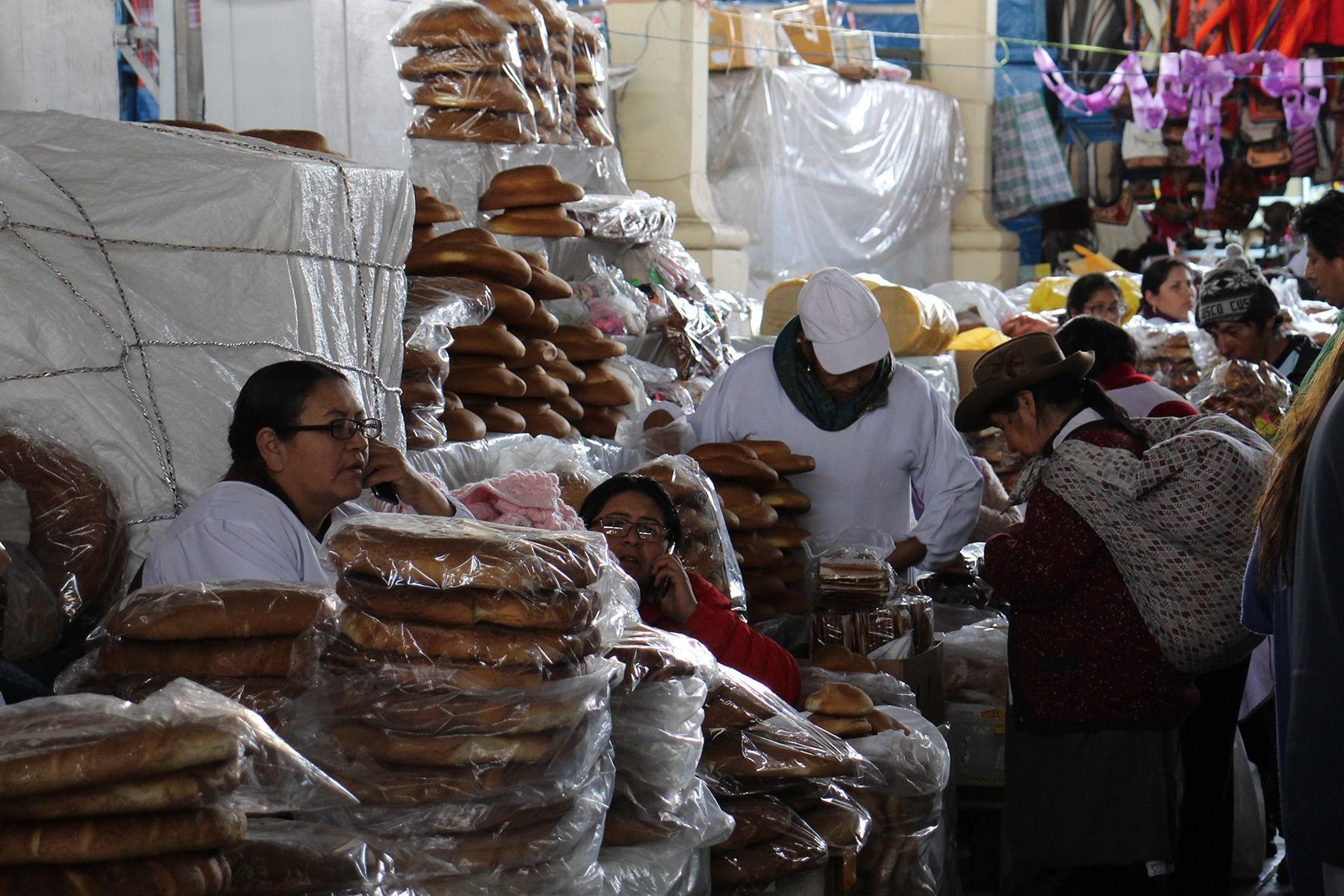 Bakers at San Pedro market Cuzco