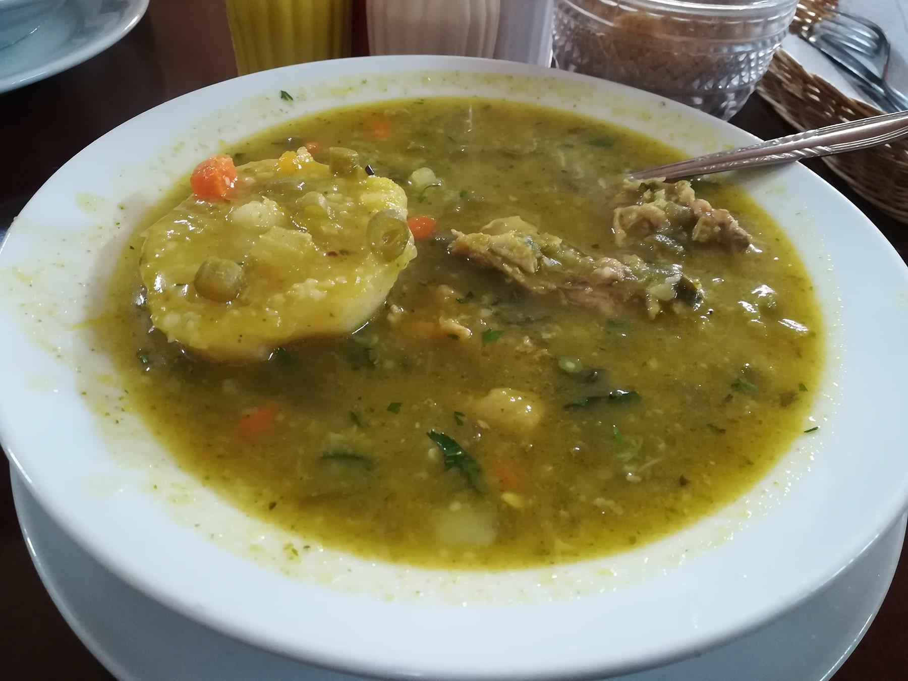 Zuppa con quinoa e pollo