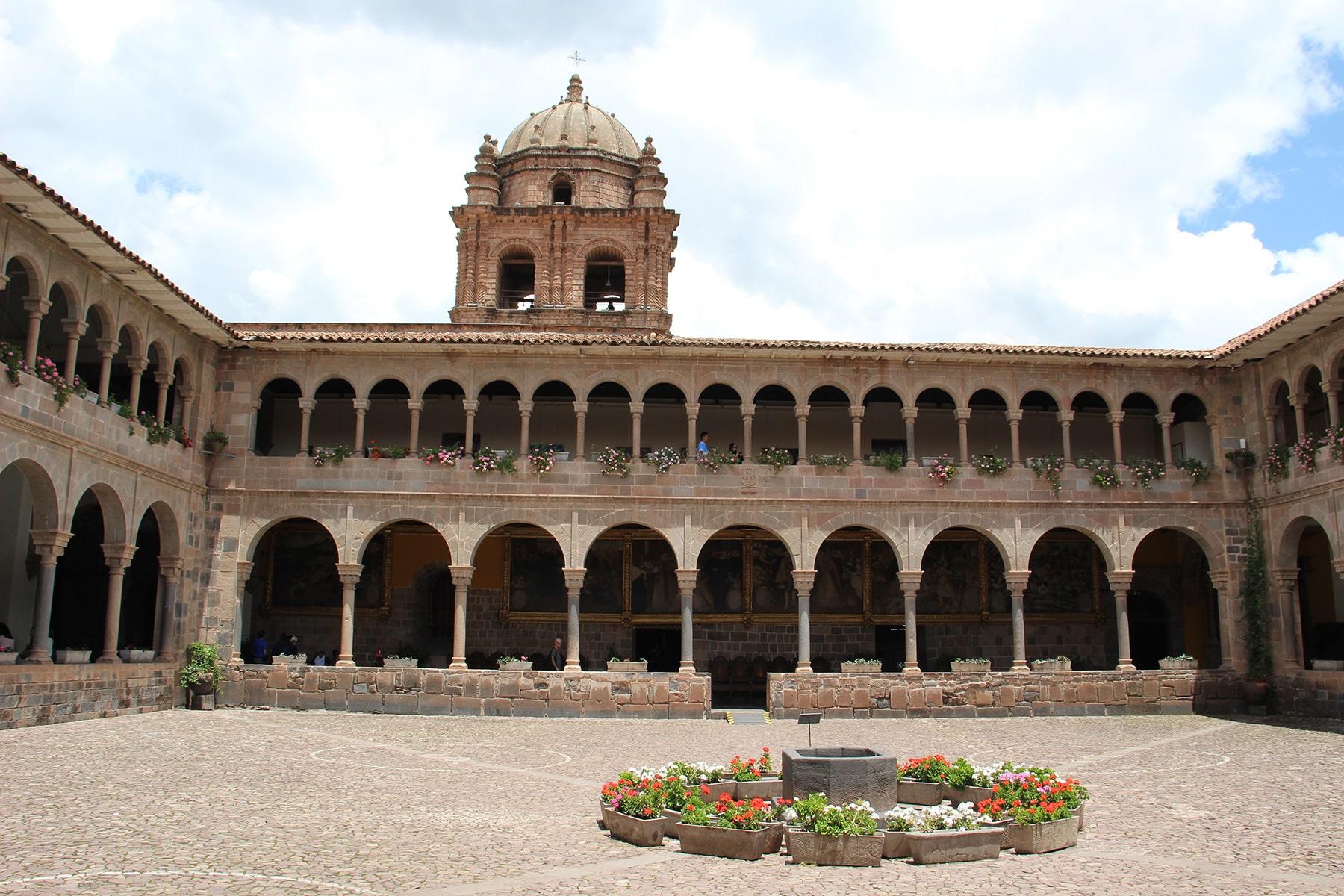 Cuzco Qorikancha courtyard