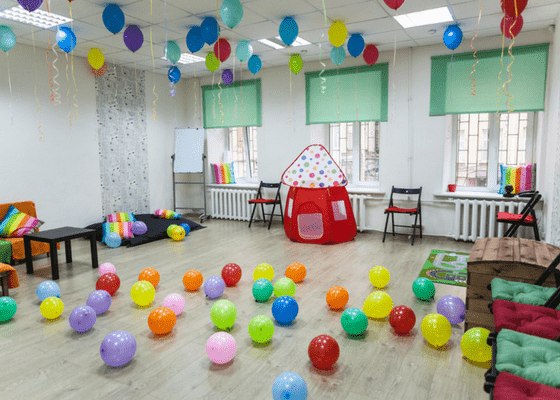 empty birthday party. Failed event because lack of facebook advertising