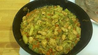 Verduras y pollo con curry