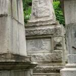 【#尋幽探秘:三座移至香港墳場的紀念碑】