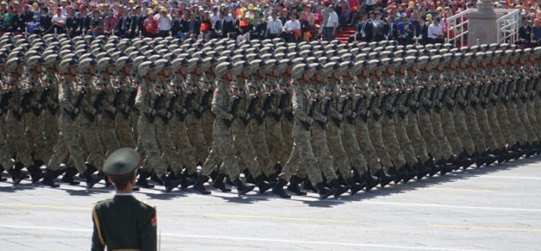 parade beijing soldiers