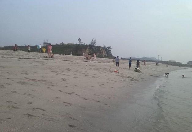 A beach in Dijiao, Beihai. Photo: beihai365.com.