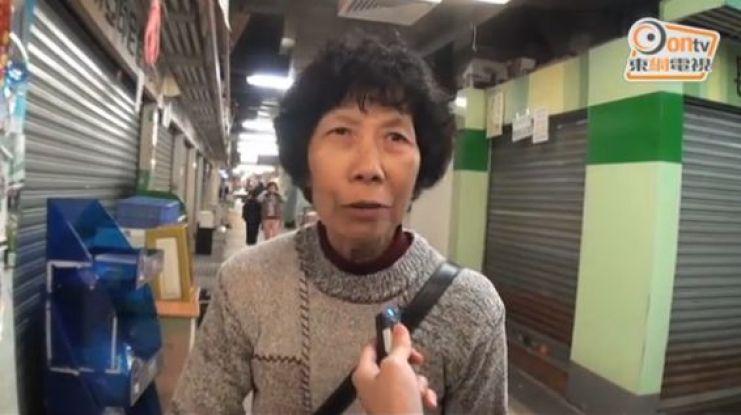Cheung Fat Market shopper