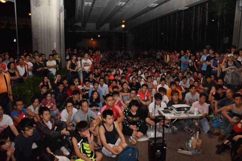 The outdoor football screening in Tuen Mun.