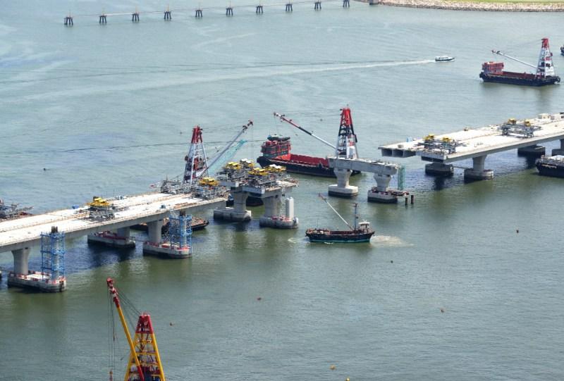 hk-zhuhai-macao-bridge-construction-2