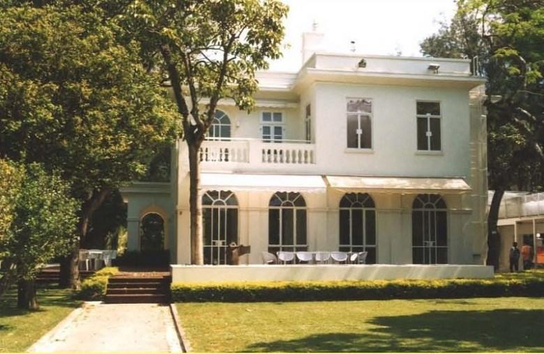 quarters house mansion