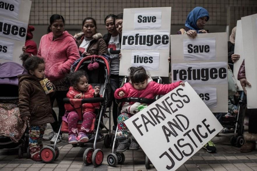 protest refugees