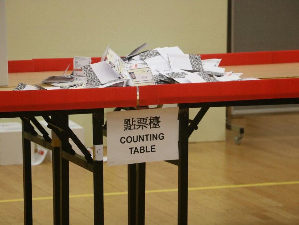 polling station vote democracy