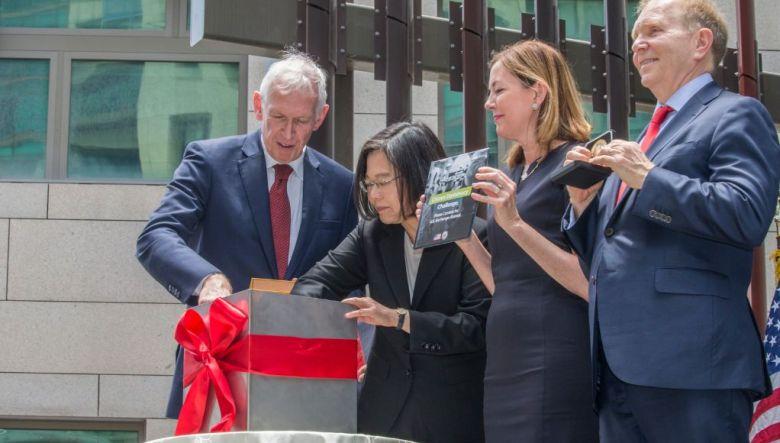 American Institute taiwan de facto embassy