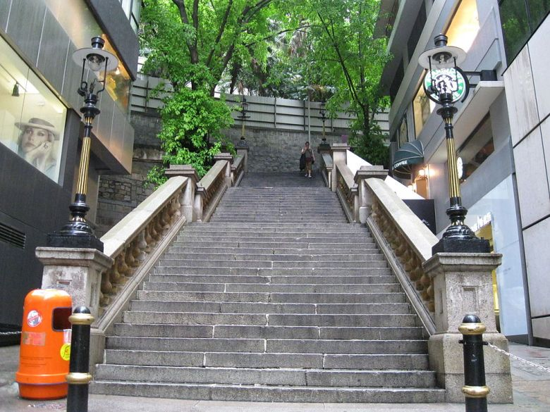 Duddell Street steps and gas lamps