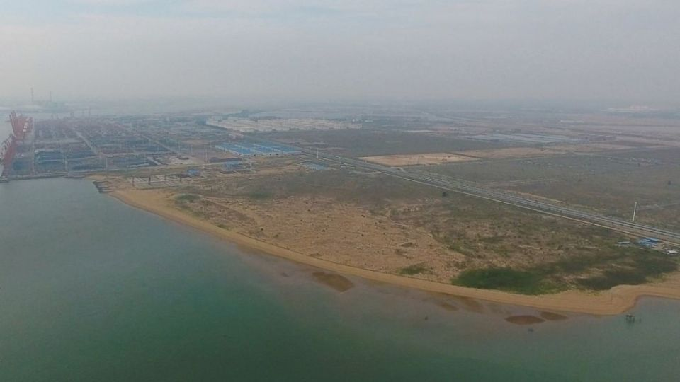 Qinzhou bonded port area container terminal