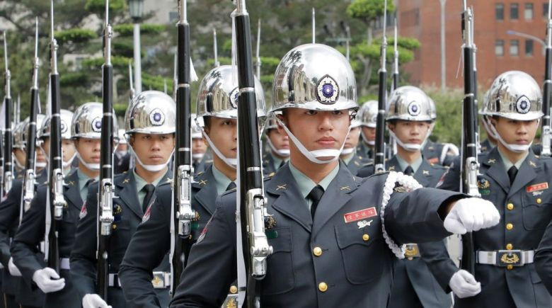 Taiwan honour guards