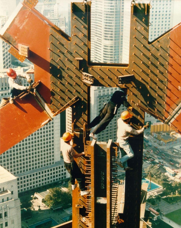 bank of china tower hong kong under construction