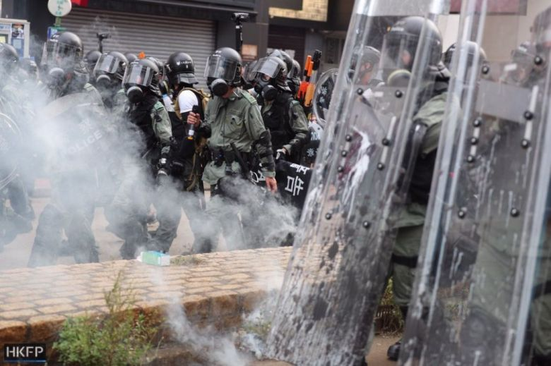 tear gas police yuen long july 27 china extradition