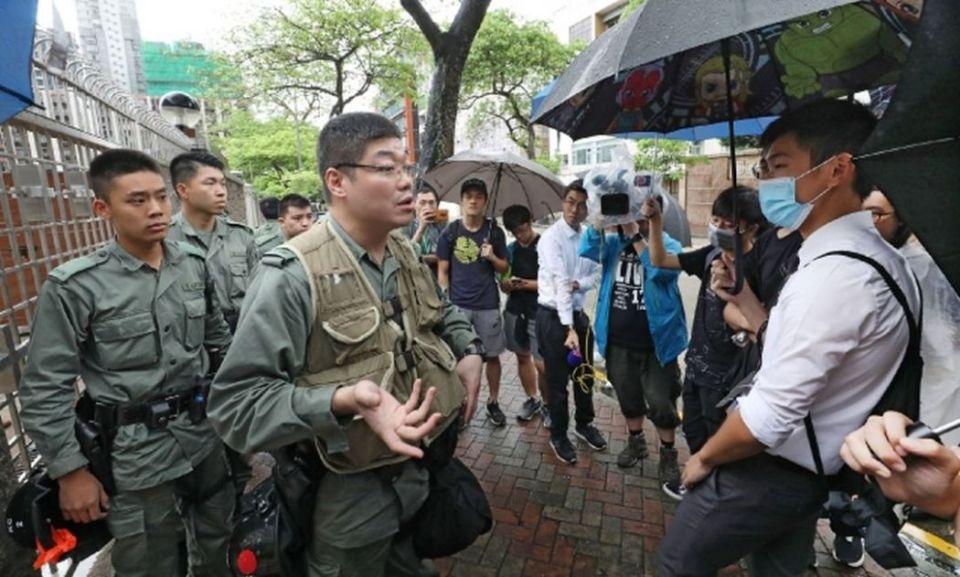 riot police la salle college