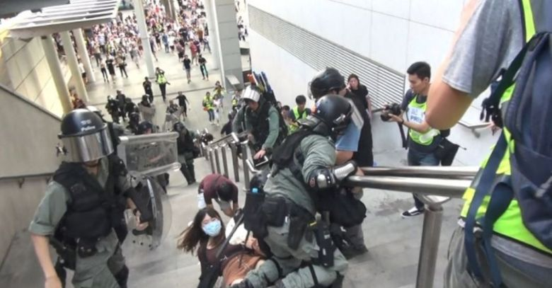 tung chung riot police arrest september 7