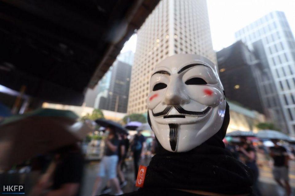 mask vendetta v october 6 protest